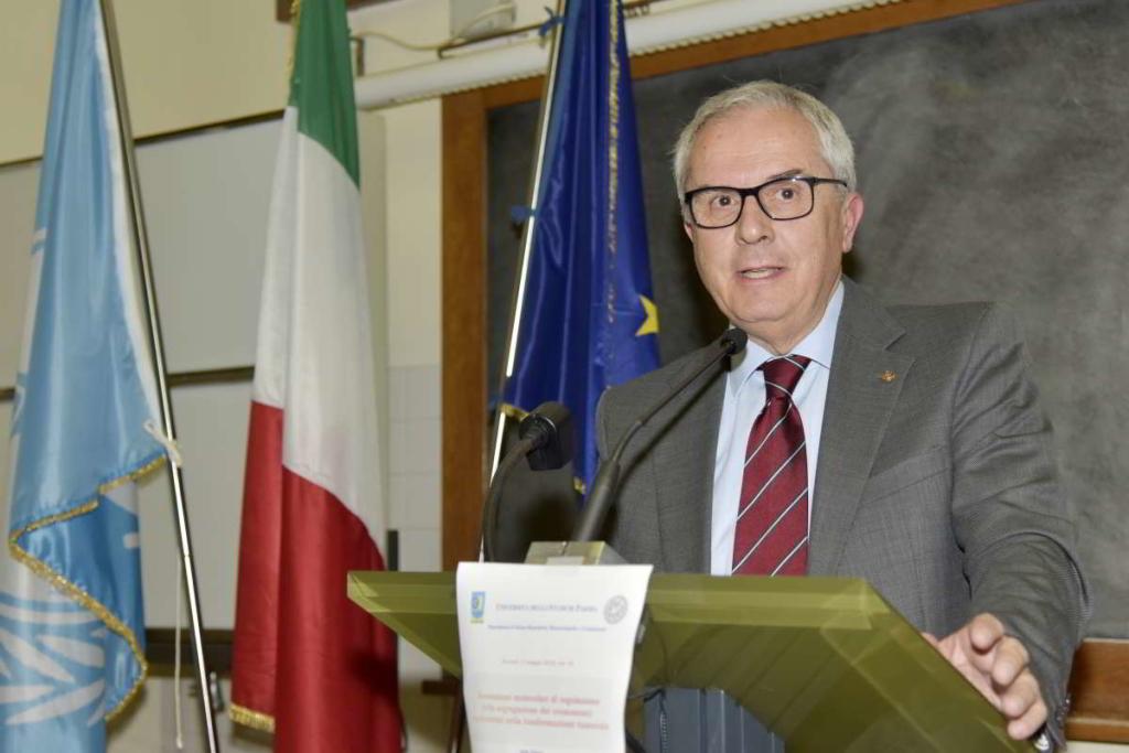 FOTO PIER LUIGI VASINI (copyright) PER UNIVERSITA' DI PARMAVia San Bruno, 5 - 43123 Parma (Italia)tel. 0521/493671 - cell. 333/3992149 - e-mail: fotovasini@libero.it